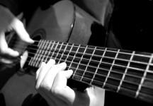 gitar kurslarımız devam  ediyor